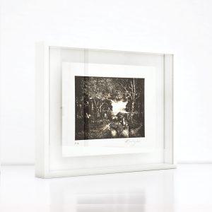 Giclée – Μεταξοτυπία έργου του εικαστικού Χρίστου Καρά. Ξύλινη κορνίζα και εκτύπωση από το Απόλυτο.