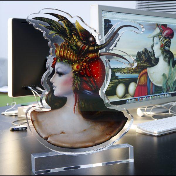 Εικαστικό αντικείμενο εκτύπωση και μορφοκοπή σε plexi glass art από έργο του Θεόδωρου Πανταλέων Apolyto